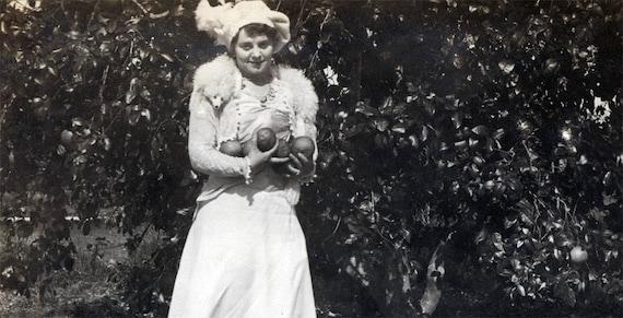vintage photo HAzel White Mink COlar holds GRapefruit in Florida Grove 1916