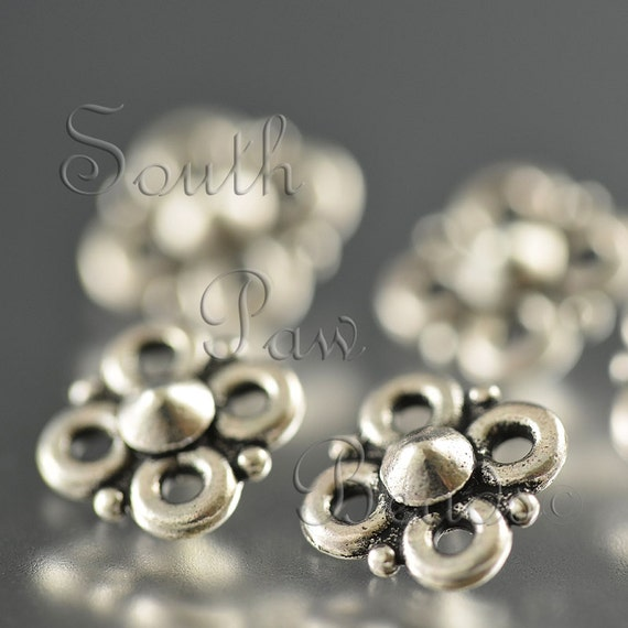 TierraCast Antique Silver 9mm Clover connector (5)