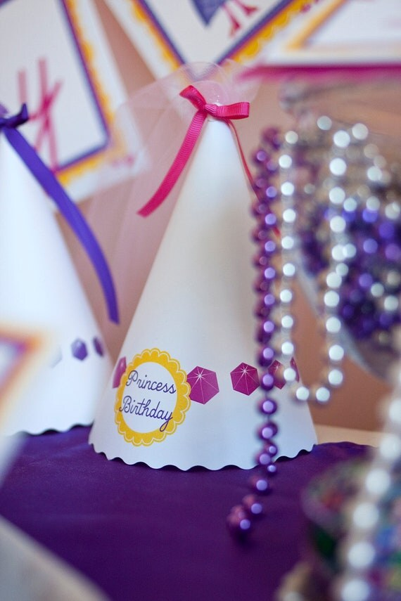 Princess Birthday PRINTABLE Party Collection - You Customize EDITABLE TEXT >> Instant Download << Paper and Cake