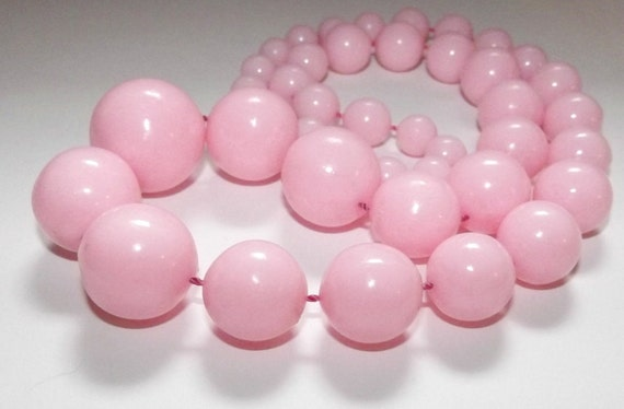 Vintage 50s 60s Bubble Gum PINK Big Bead Necklace MADMEN Pin-Up Huge Lucite Gumballs