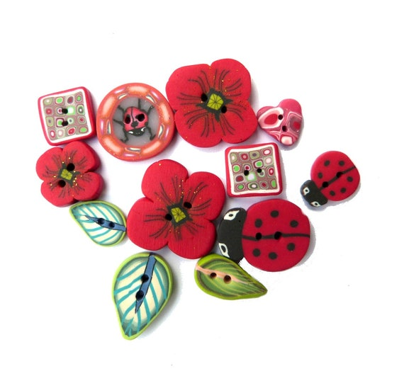 Poppies flower BUTTONS, Craft supplies - Flower Leaf  Ladybug - Set of 12 - poppy cherry red green black, polymer clay