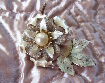 Vintage Sylized Flower Pin Brooch