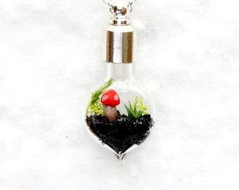 Terrarium Jewelry, Terrarium Necklace, Botanical Necklace, Ecosphere, Handmade Pendant