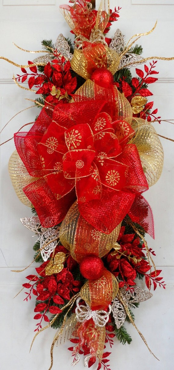 Christmas swag wreath centerpiece mantle decoration