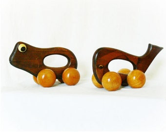 Vintage 70s Wood Roller Wheel Toy Animal Push Pull Googly Eyes WHALE ONLY