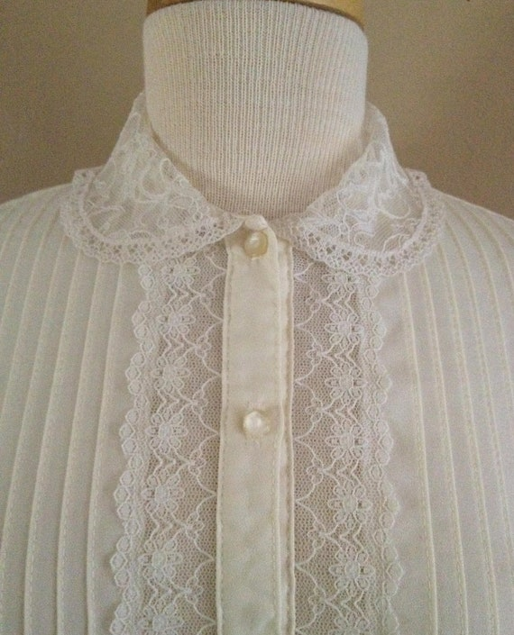 Vintage Lace Collar Pleated Blouse
