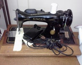 Old Singer Sewing Machine 1952