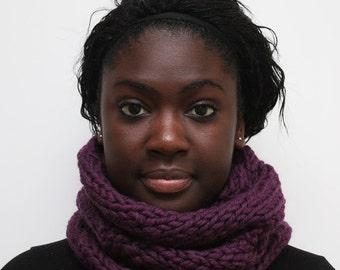 Purple Scarf, Circle Scarf, Wool Cowl, Chunky Knit Scarf, Snood, Urbanknit scarf, Winter knitted scarf, Handmade cowl, Purple Scarf