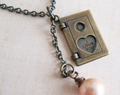I Love You - Locket With Pearl Necklace - pulpsushi