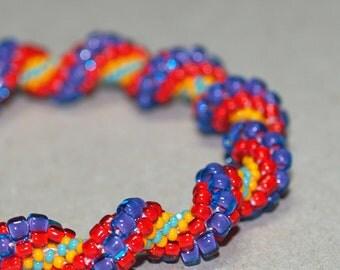 Felicidad ... Bead Crochet Bracelet . Bangle . Bright Colors . Spirals . Happy . Ethnic Look . Tropical . Summery