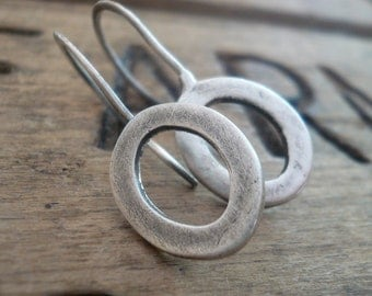 Modesty Earrings. Oval - Handmade. Oxidized fine recycled silver