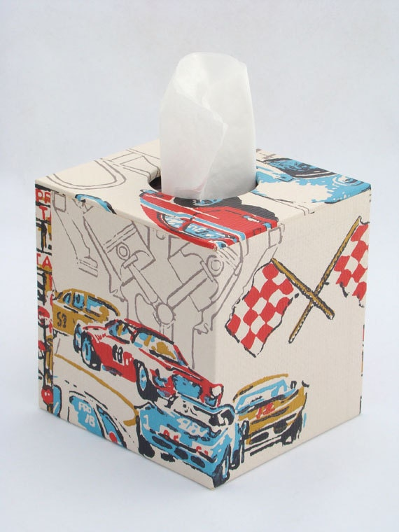 Tissue Box Cover 1970's Vintage Wallpaper in Race Day Motorsport