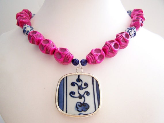 Chunky Day of the Dead Necklace, Fuchsia Mexican Folk Art Necklace, Skulls & Porcelain Pendant, Hot Pink Skull Necklace - Ixtapa