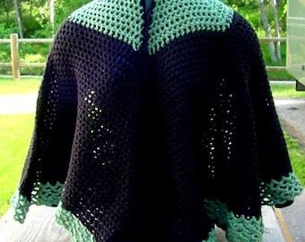 Cape Green and Black - Handmade Crochet - Accessory