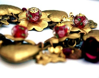 Gold Charm bracelet, Vintage Charm Bracelet, Heart Picture Photo Charm Bracelet, 'SEEKING APHRODITE' Red and Gold