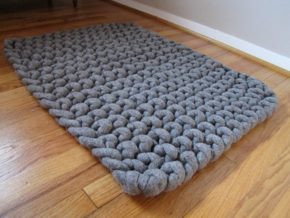 items similar to hand knit extra thick wool felt natural roving rug in gray on etsy. Black Bedroom Furniture Sets. Home Design Ideas