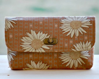 Mini Clutch - Brown Daisies