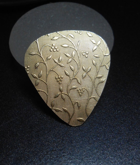 Brass Guitar Pick - Poison Ivy