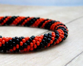 Black and Orange Halloween Bead Crochet Bracelet, Crochet Beaded Jewelry, Beadwork Bangle Bracelet in School Colors