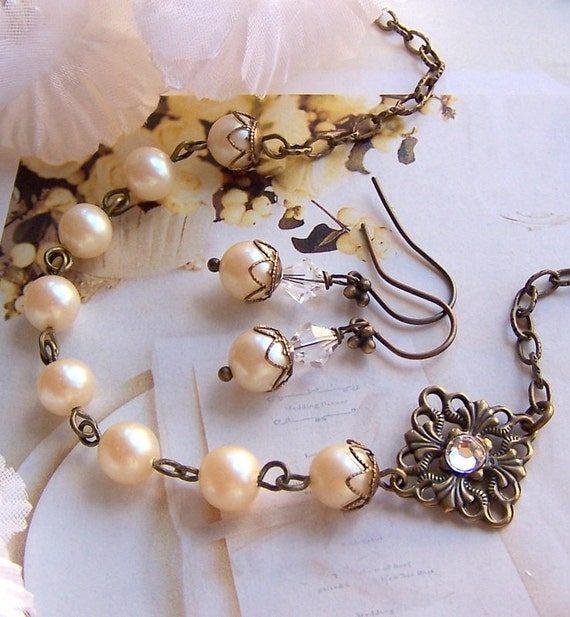 Vintage Inspired Bridal Necklace and Earring Set, Pearl Necklace, Pearl Dangle Earrings, Birdesmaids Gift, Bridal Party Jewelry