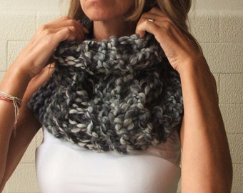 Chunky scarf,  black and white chunky scarf, cowl, chunky cowl, neck warmer, chunky knit READY TO SHIP