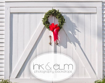 "Vinyl Photo Christmas Backdrop 5ft x 6ft, Photography Backdrop Christmas, Holiday Photo Backdrop Wreath on White Barn, ""Shabby Christmas"""