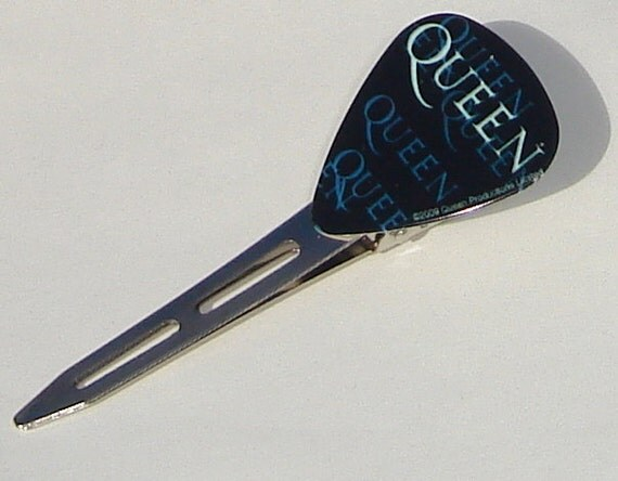 QUEEN guitar pick hair clip