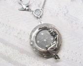 Silver Locket Necklace - Silver Moonbeam Locket - Jewelry by BirdzNbeez