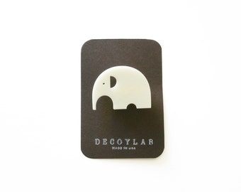 Elephant Pin Animal brooch - acrylic Ivory