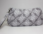 Sweet Pea Zip & Go Wristlet / Lace Gray Fabric
