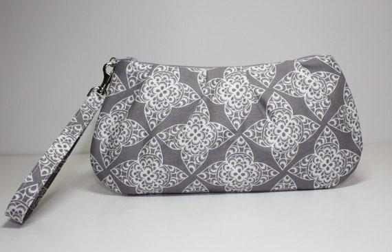 Sweet Pea Zip & Go Wristlet / Lace Gray Fabric
