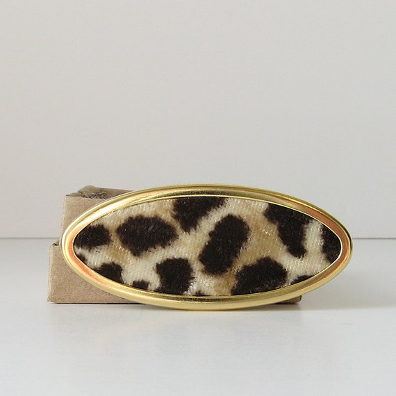 Animal print oval brooch