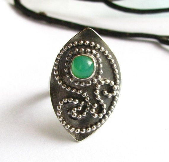 Arabesque Paisley Ring - Green Gemstone Chrysoprase Ring - Sterling Silver Jewelry - Size 9 Exotic Statement Ring