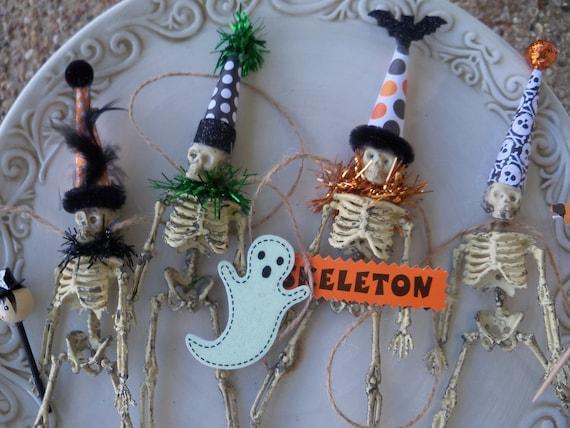 Skeleton Garland: A Halloween Decoration