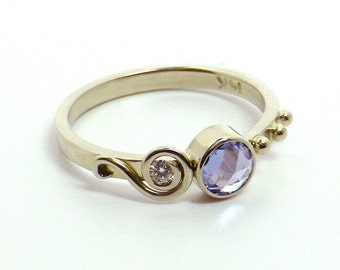 Rose Cut Sapphire Set in 14K White Gold Ring