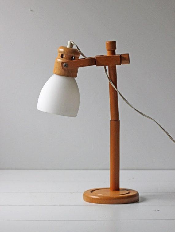 vintage desk lamp with wood base by modishvintage on etsy. Black Bedroom Furniture Sets. Home Design Ideas