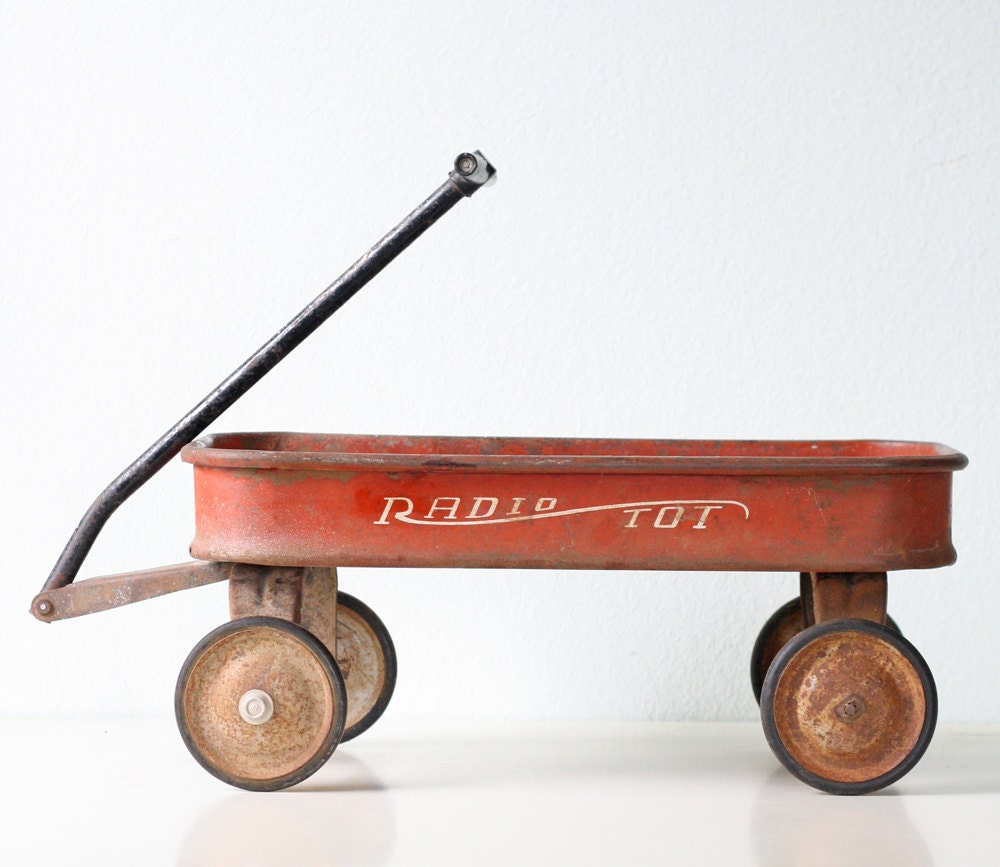 291901460011 as well Central Valley Double Track Heavy Duty Laced Truss Bridge Kit 1900 in addition All Around Wagon besides Vintage Red Wagon Radio Tot in addition Watch. on toy radio flyer wagons