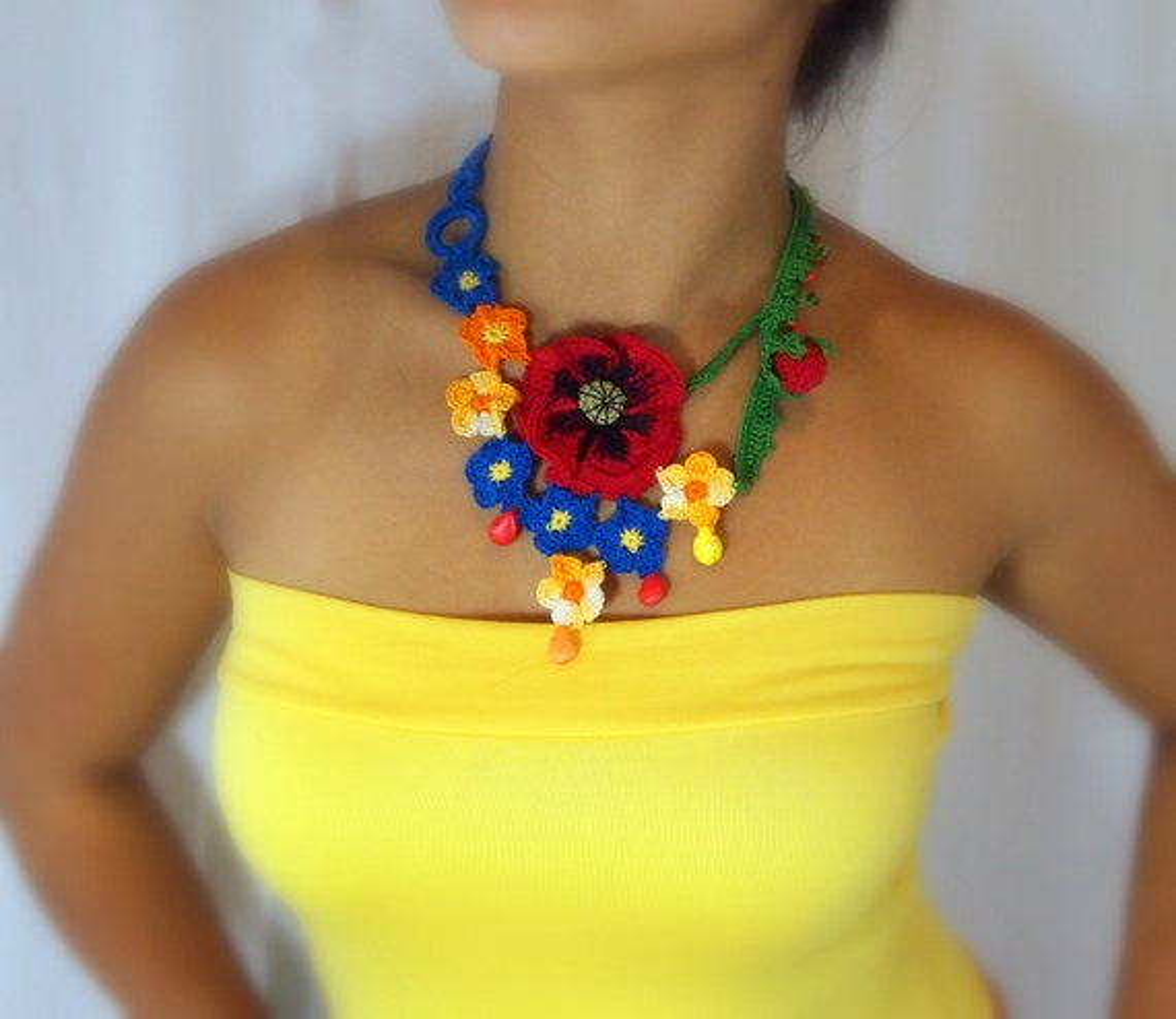 Crocheted statement necklace, Brighten up my days