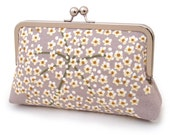 SALE: Queen Anne's Lace clutch, silk-lined bridal purse / wedding accessory / bridesmaid gift