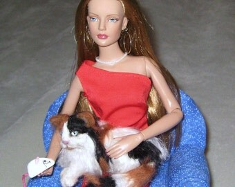 Doll Pet / Needle Felted Cat /Custom Miniature Sculpture of your pet / Cute / example Calico