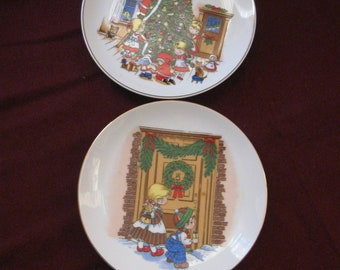 Vintage 2 Christmas Plates for decoration