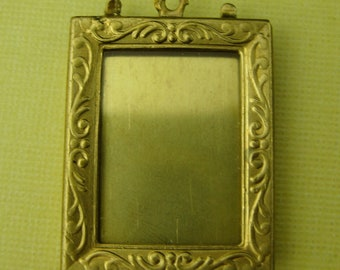 4 Vintage Brass Frame Pendant with Floral Decoration