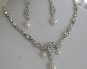 Bride Bridesmaids rhinestone pearl vintage necklace and earrings set - Bridal jewelry - Bridal accessories - Wedding Jewerly