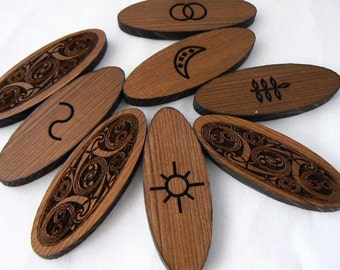 Celtic Oval 8 Witches Runes