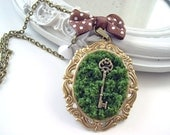 Key in moss Necklace Alice in Wonderland Gothic Lolita