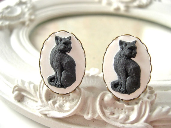 """Black Cat cameo plugs 16mm 5/8""""  gauged stretched ears Gothic"""