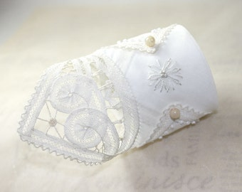 Bracelet Lace Cuff White Cream Ivory Vintage Fabric Textile Hand Embroidery Battenburg Pearls Bridal Wedding