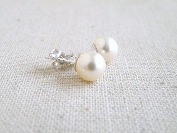 Swarovski Earrings Pale Ivory Pearl Sterling Stud BE2