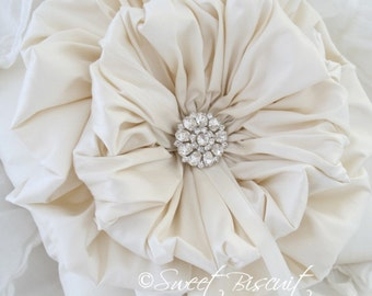 Ivory Ruffle Ring Pillow