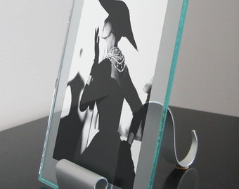 Wave Sculpture 5x7 Picture Frame